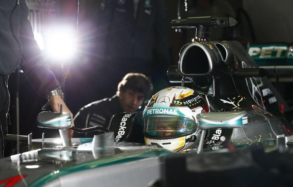 Hamilton osvojio pole position za VN Singapura