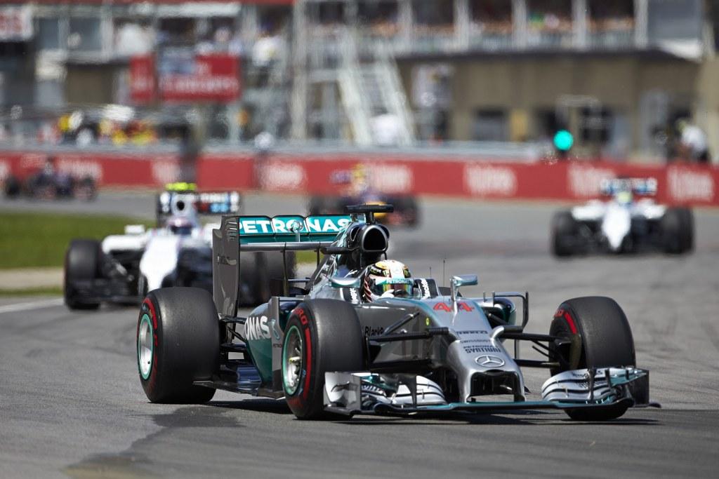 Lewis Hamilton najbrži na drugom slobodnom treningu
