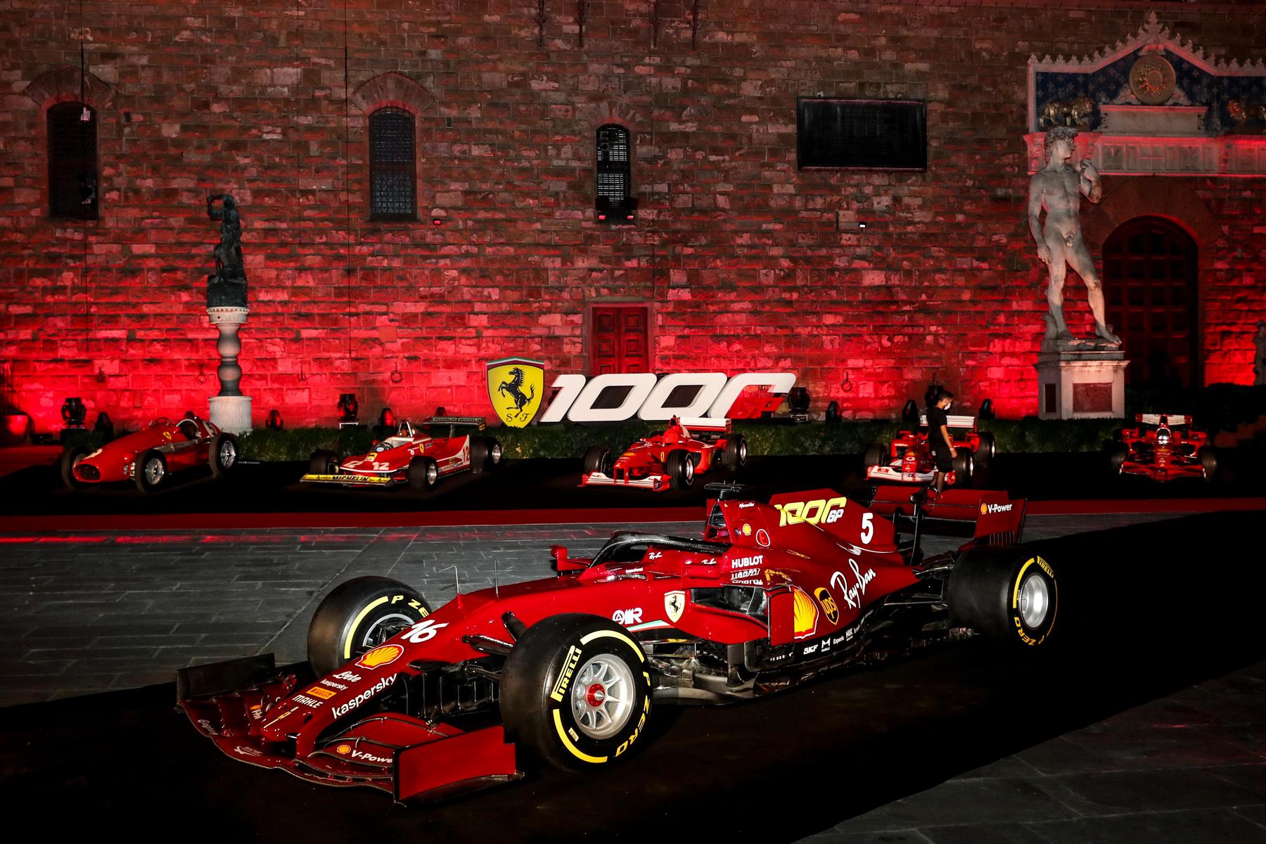 Scuderia Ferrari od 1 do 1000